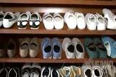 Khám phá tủ giày hoành tráng của MC Trấn Thành